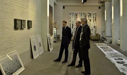 Jens Weidmann und Michael Best, Bundesbank, Atelierbesuch bei Isabella Trimmel Berlin